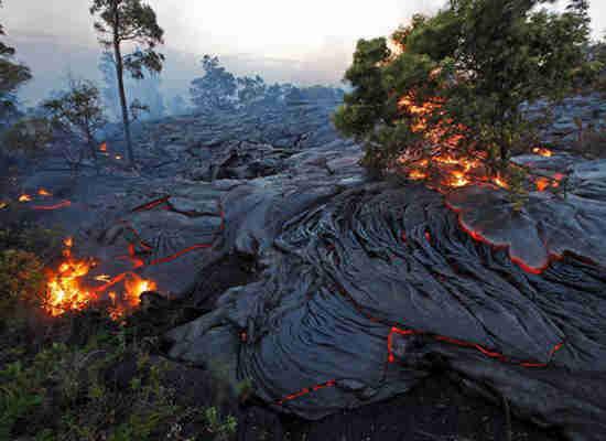 Lawa z wulkanu na Hawajach 1