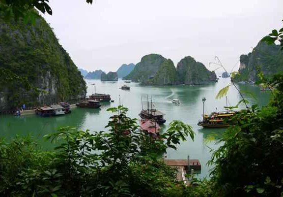 Wietnam wycieczki objazdowe - jakie atrakcje są godne uwagi?