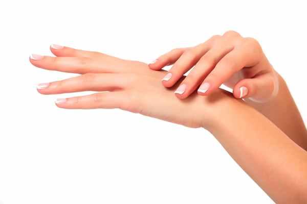 Kuracje kosmetyczne na dłonie z użyciem parafiny